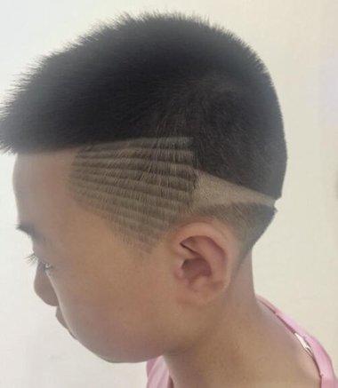 儿童线条雕刻发型图片 发型雕刻线条