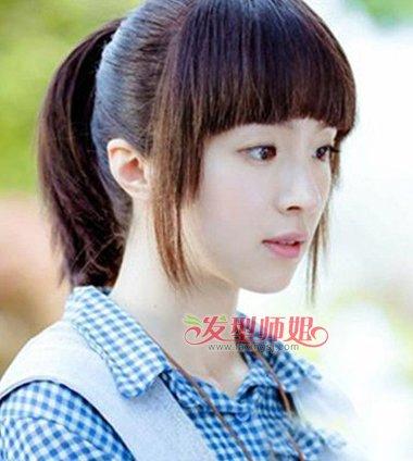 校园青春女扎高辫子剪齐刘海 森系少女风梳扎甜美发型设计  微卷长发图片