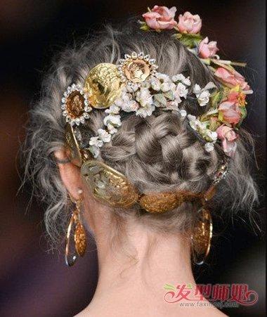 还能很美好的衔接起来哦~女生宫廷风的渐变式圆髻盘发发型,这些染发都图片