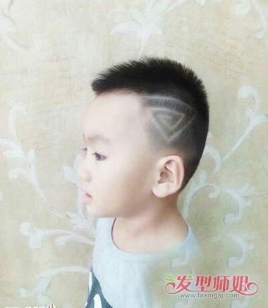 小男孩适合剃的平头发型有哪些 让你多了解孩子短发平头图片图片