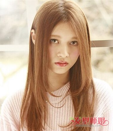 女生油性发质中长发内扣发型图片
