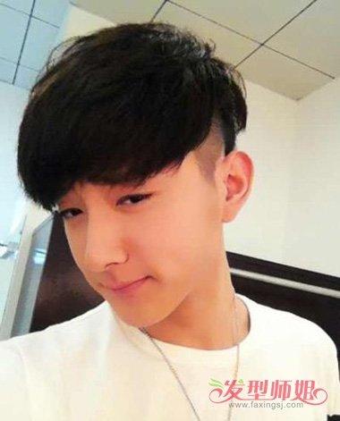 男士精剪最新露耳朵的短发发型 发质硬直剃超短露耳烫发造型设计图片