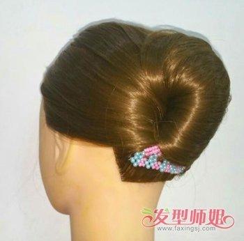 不用皮筋也能扎出美腻发型 2018长发女生梦幻梳百变扎发设计