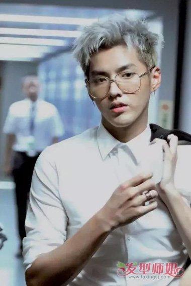 男生染奶奶灰头发炫出不同光彩 值得你拥有的最火头发颜色系