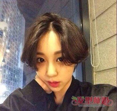 女生短头发无刘海帅气造型