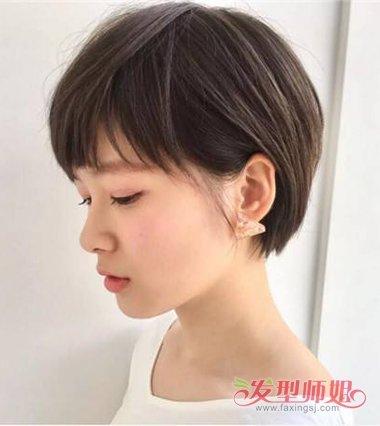 女生碎发刘海露耳短 直发发型,将后脑的头发做成蓬松的碎发曲线,短发图片