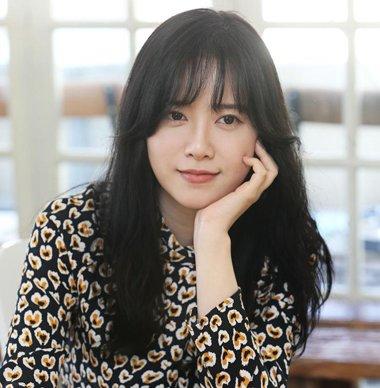 流行发型 刘海 >> 女生刘海弄成m型新潮又个性 2019女生日韩式m型刘海图片
