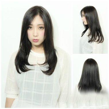 自然黑长直发制作内扣发型图片 教你直发吹内扣技巧以及方法论图片