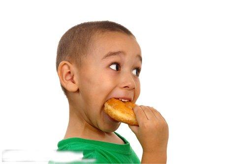 精选出小男孩寸头发型图片赏析 儿童寸头发如何来修饰图片