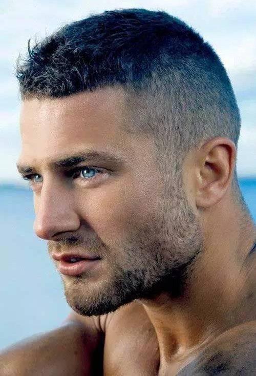 脸长男生适合的头发少短发发型 瘦长脸男生剪出的帅气