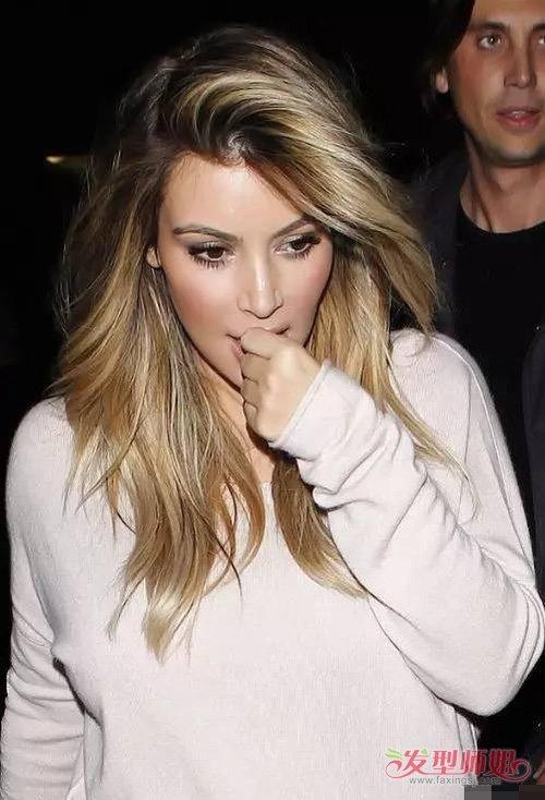 长脸女生纯美系微卷发辨别潮感 变身女神的秘诀要看烫卷发类型