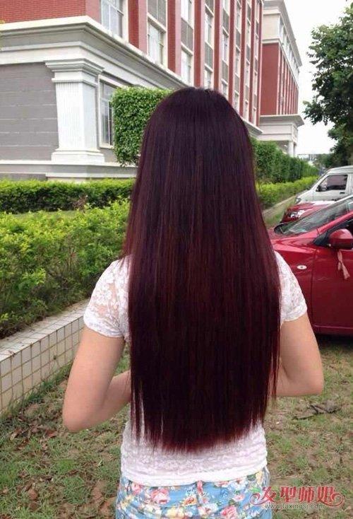 百变时尚的直发发型图片背影 神秘兼具纯美两不误的直发造型