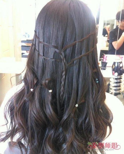 长头发做编发辫子有教程可循  虽然不是只有长直发才能做这样的发型图片