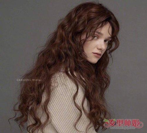 女生26号水波卷烫发发型图片