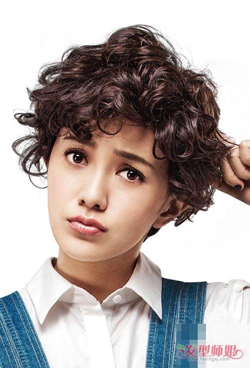 女生烫卷潮流有范的泡面头短发 玩转时尚个性辣眼睛卷发设计