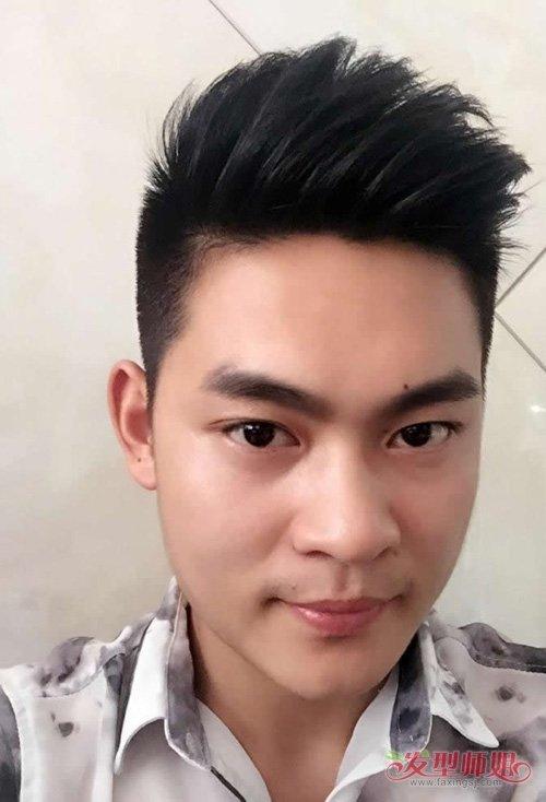 男生烫头发会显的超级成熟吗 两边铲青头发炫酷玩转时代度图片