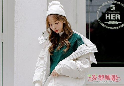 优雅小仙女们都在烫韩版水波纹卷发 清新灵动又时髦比波浪卷显年轻