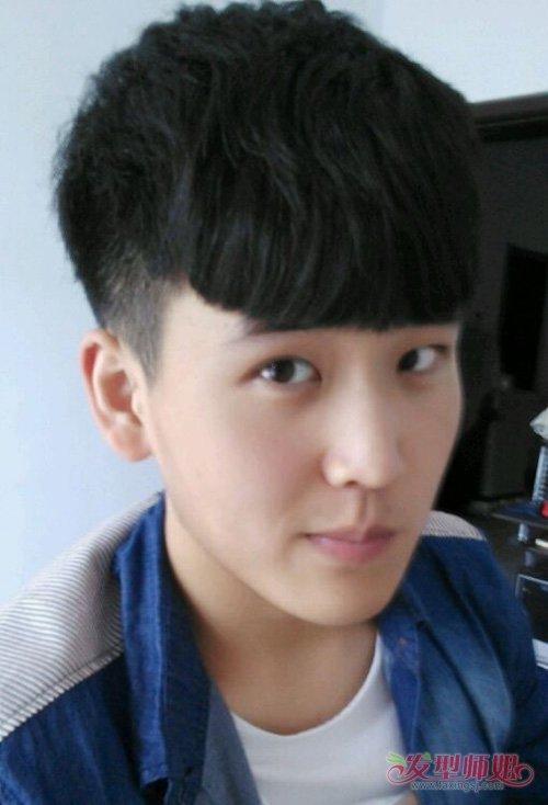 男生发型 >> 男生两边铲发选刘海超级关键 花样美男子撩妹最佳款短图片