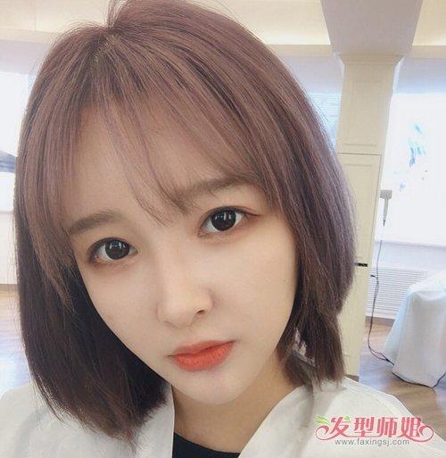 大圆脸女生小清新刘海短发设计 瞬间小脸的女生修颜刘海短发发型图片