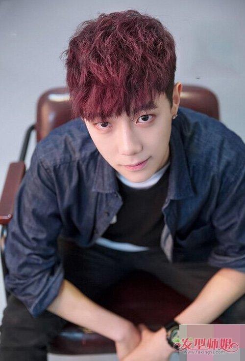 红火过大年剪哪些发型最帅气 男生卷烫染超喜庆潮短头发图片