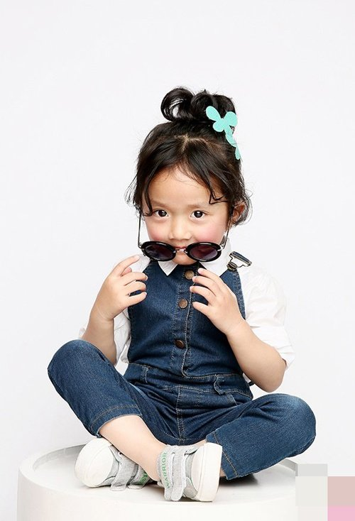 肉肉脸小女孩扎头发适合留哪些刘海 女童梳扎出的乖巧可爱发型