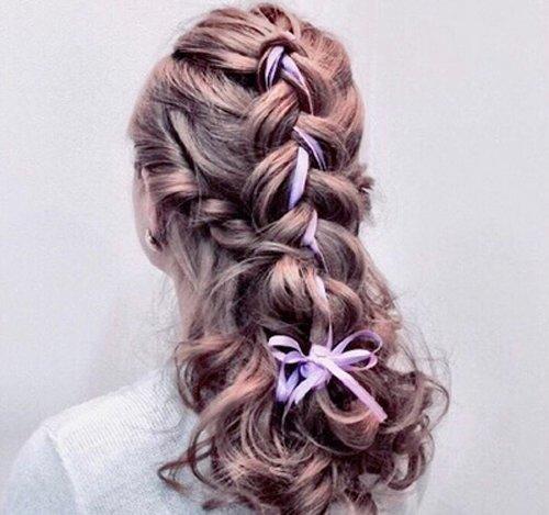螺旋卷大卷 烫发发型,给头发做成中长发做的编发辫子,女生细边发带做