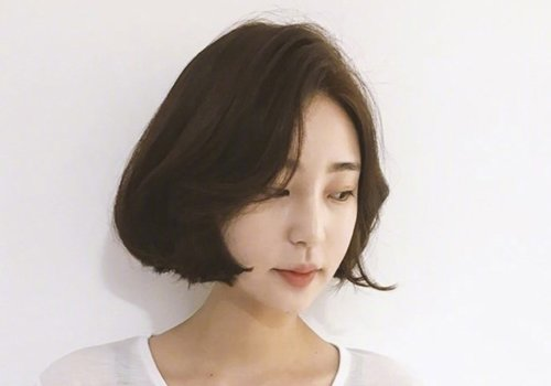 韩式女生气质偏分长刘海内扣发型图片