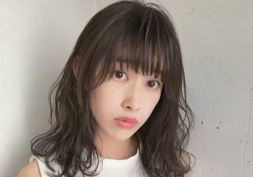 脸型太小头发又多什么发型更适合 小脸女生软萌发型一秒拯救多发量