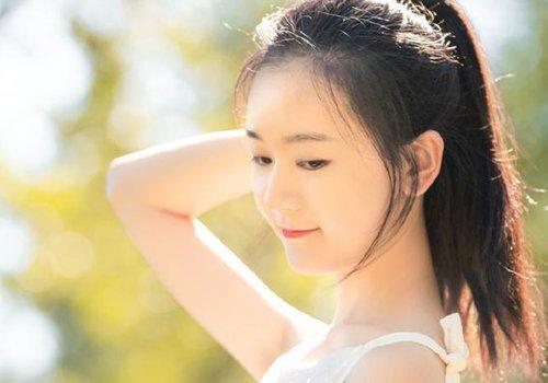 方脸女生无刘海马尾辫发型图片