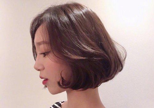 圆脸女孩是不是剪短发更显脸圆 圆脸适合什么发型短发图片