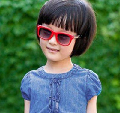 小女孩蘑菇头短发发型图片 小孩蘑菇头短发发型图片图片