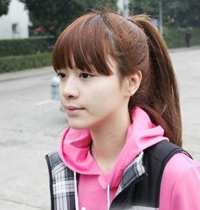 中年马尾巴发型配什么刘海 偏分刘海扎马尾发型