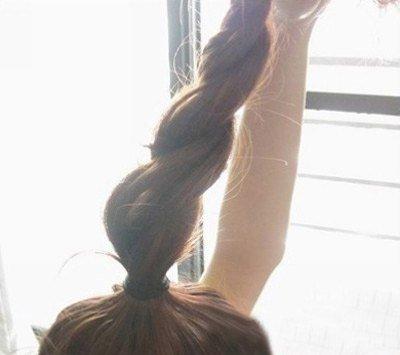 花苞头头发有点短 头发较短盘成花苞头
