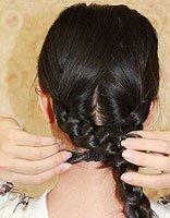 适合圆脸的扎头发方法 圆脸扎头发的方法