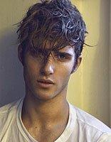 男生卷发两边也卷好看么 卷发的欧美男明星