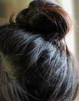 短发怎样盘花苞头 中短发花苞头的扎法