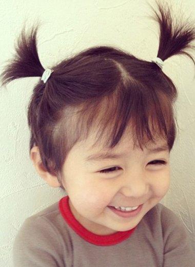 >   可爱的小女孩们还是留短发最好看呢,相信留短发的小女孩们大多数图片