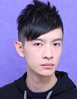 男学生一般烫什么样的发型 男学生烫发剃两边发型图片