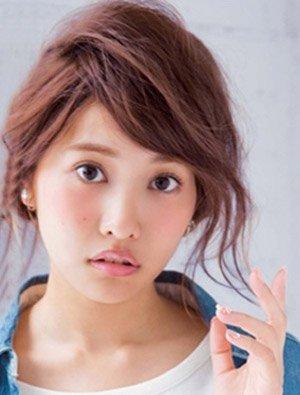 头小的女孩子适合盘发吗 小脸女孩盘发的方法