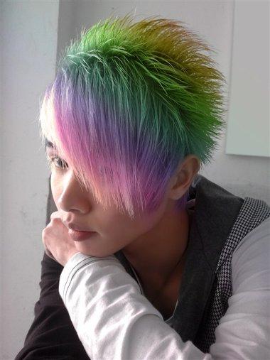 现在男人流行什么头发颜色 男生哪种颜色的头发最叼