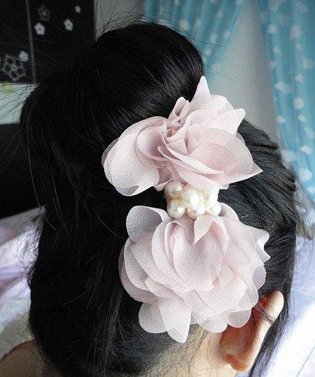 花苞头的盘发器扎法图解 花苞头盘发器用法图解