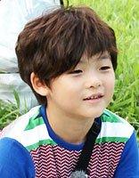 韩国帅气小男孩发型 小男孩留什么发型扮萌