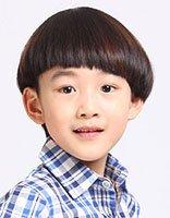 瓜子脸小男孩最流行什么头 今年小男孩子流行的头型图片