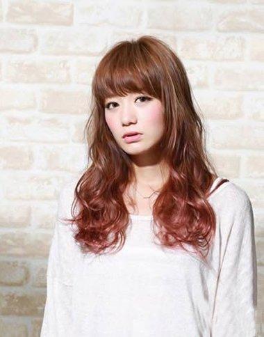 齐刘海韩国长发大卷发型图片 韩国女生大卷烫发