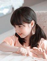 8岁小女孩发型扎法 韩版小女孩发型简单扎法