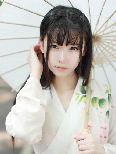 无刘海直发简易发型 20岁直发发型扎法