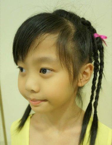 小女孩漂亮头发编法,怎么编符合小孩子的形象,还能为长发形象加分呢?图片