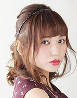 35岁女人扎头发与刘海教程 直刘海的简单发型扎法