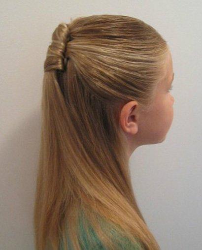 八岁的小女孩发型怎么扎好看 八岁小女孩头发不太长扎辫发型