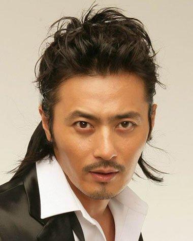 男士露出额头的发型怎么扎 露额头发型扎法图片